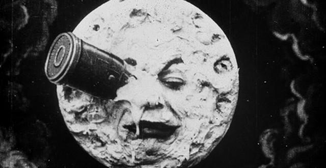 Ha Deyince Kız Kulesi Yok Olmuyor… 1 – a trip to the moon