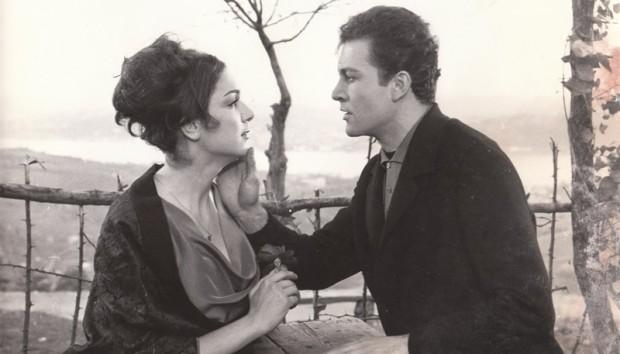 """Sinemanın """"Çiçekçi Kız""""ı Selda Alkor'a Onur Ödülü! 1 – Senede bir Gün"""
