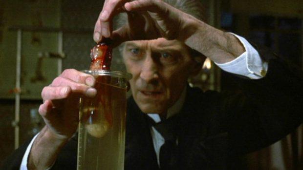 creeping-flesh-the-1972-001-peter-cushing