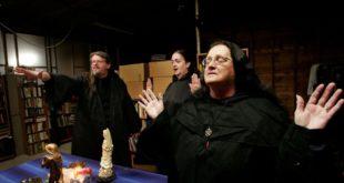 Amerika'nın Cadıları Mona Kitap'tan Çıktı! 2 – american mystic 6 Amerika'nın Cadıları