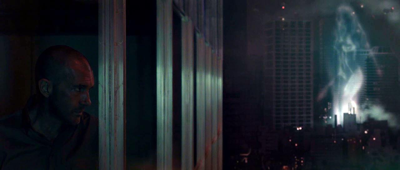 Blade Runner'ı andıran ortamın ve beraberinde getirdiği senaryo unsurlarının filme kattığı bir şey yok maalesef.