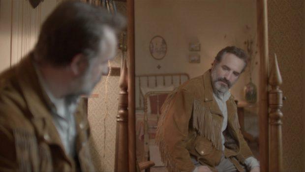 John Waters Seçti: 2020'nin En İyi Filmleri 7 – Deerskin Quentin Dupieux 2019